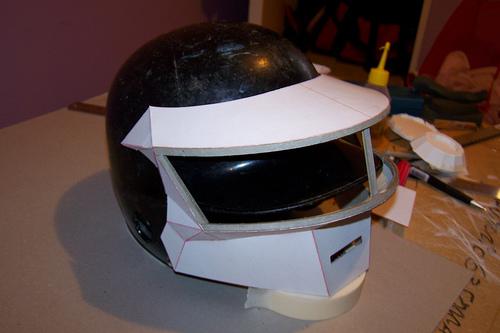 casquedaft4 Tutorial : Fabriquer un masque des Daft Punk (Thomas Bangalter)
