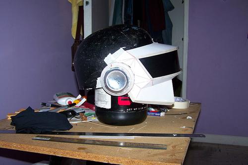casquedaft6 Tutorial : Fabriquer un masque des Daft Punk (Thomas Bangalter)