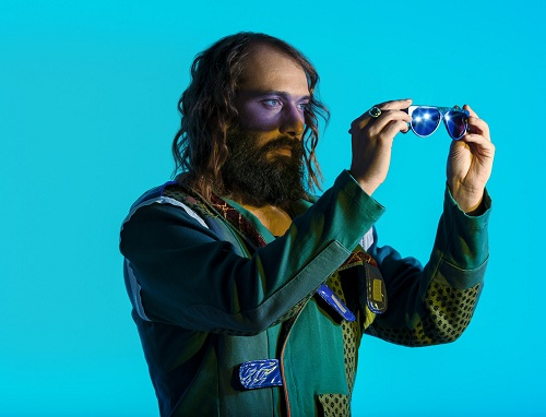 Sebastien Tellier Blue Sebastien Tellier : Le nouvel album de Mr Flash est fantastique, celui des Daft Punk un secret